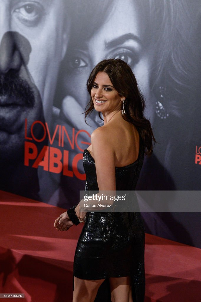 Penelope Cruz attends 'Loving Pablo' Madrid Premiere on March 7, 2018 in Madrid, Spain.