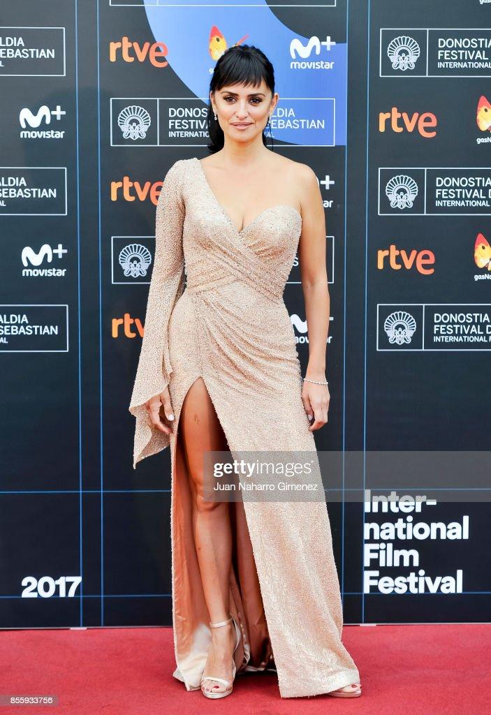 Penelope Cruz attends 'Loving Pablo' photocall during 65th San Sebastian Film Festival on September 30, 2017 in San Sebastian, Spain.