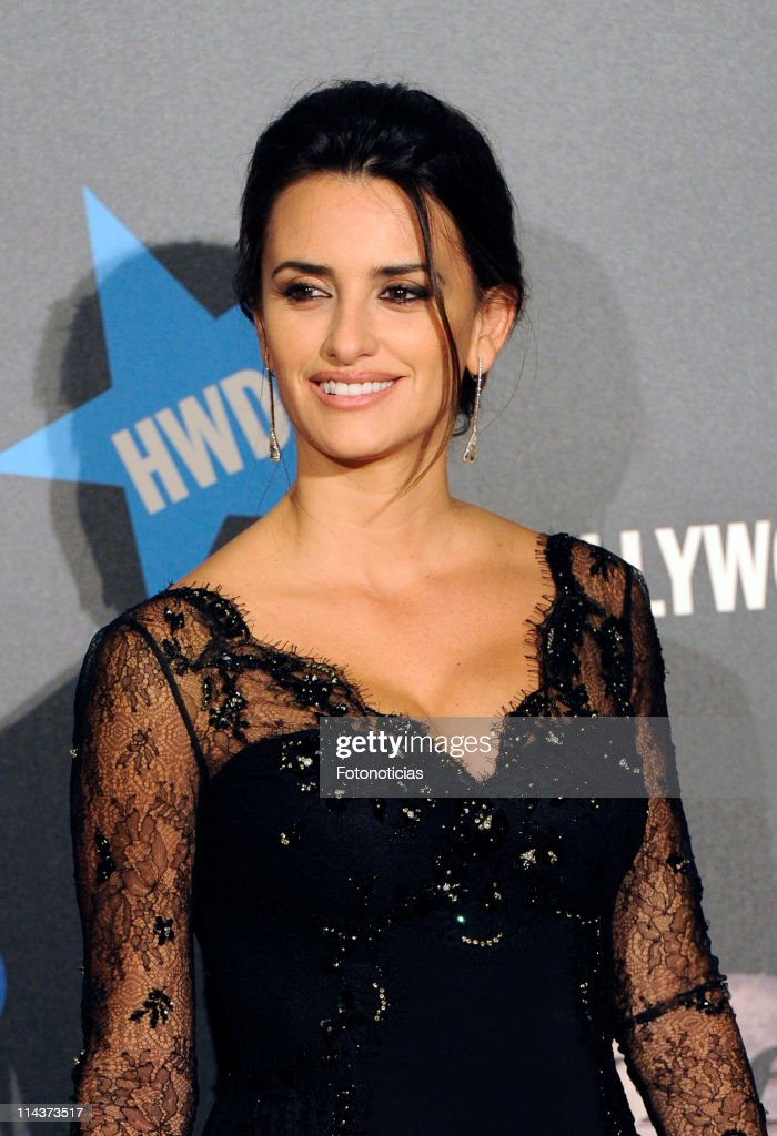 Penelope Cruz attends 'Pirates Of The Caribbean: On Stranger Tides' premiere at Kinepolis Cinema on May 18, 2011 in Madrid, Spain.