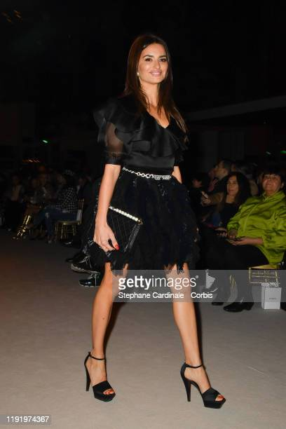 Penelope Cruz attends the Front Row of the Chanel Metiers d'art 2019-2020 show at Le Grand Palais on December 04, 2019 in Paris, France.