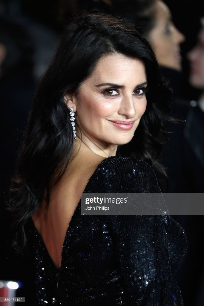 Penelope Cruz attends the 'Murder On The Orient Express' World Premiere at Royal Albert Hall on November 2, 2017 in London, England.