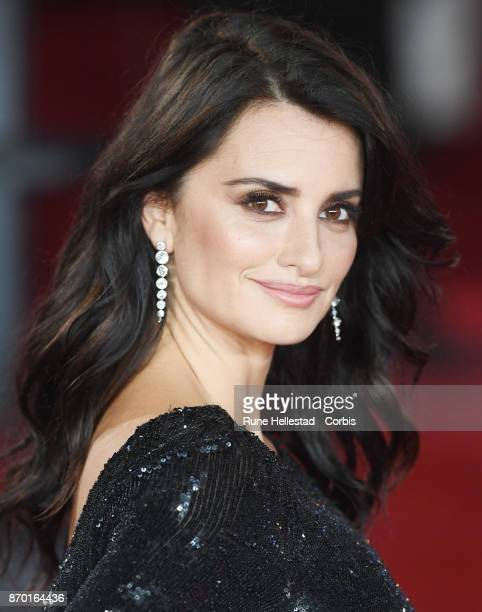 Penelope Cruz attends the 'Murder On The Orient Express' World Premiere at Royal Albert Hall on November 02 2017 in London England