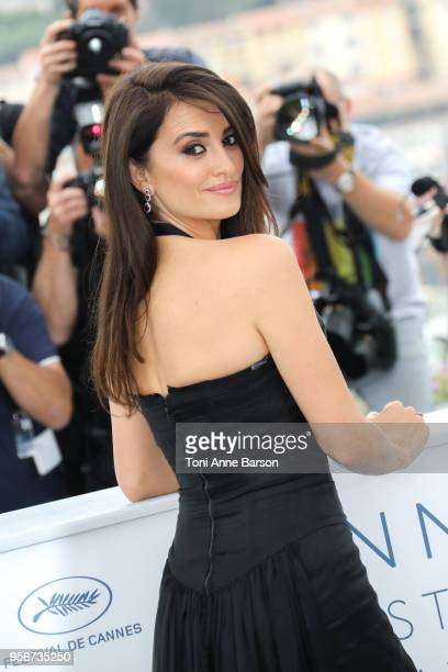 """Penelope Cruz attends the photocall for """"Everybody Knows """" during the 71st annual Cannes Film Festival at Palais des Festivals on May 9, 2018 in..."""