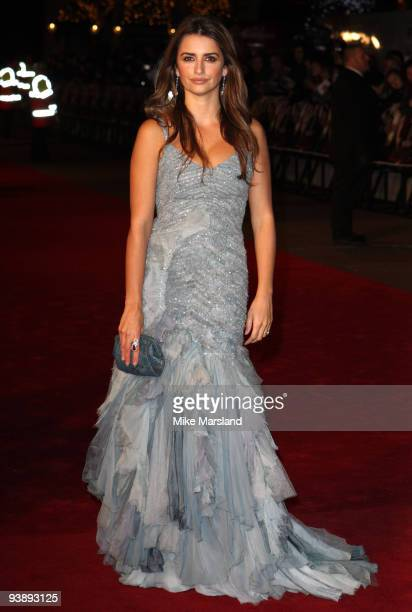 Penelope Cruz attends the World Premiere of Nine at the Odeon Leicester Square on December 03 2009 in London England