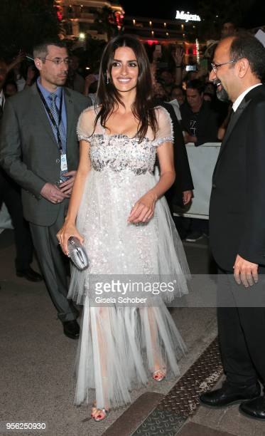 Penelope Cruz Director Asghar Farhadi leaves the screening of 'Everybody Knows ' and the opening gala to gala dinner with fans during the 71st annual...