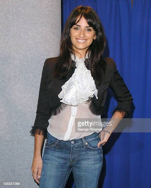 "Penelope Cruz during 2004 Toronto International Film Festival - ""Head in the Clouds"" Press Conference at Four Seasons in Toronto, Ontario, Canada."