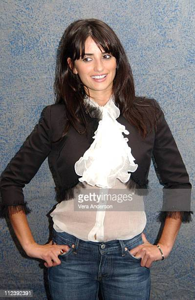 "Penelope Cruz during ""Head in the Clouds"" Press Conference with Penelope Cruz, Stuart Townsend and John Duigan at Four Seasons Hotel in Toronto,..."