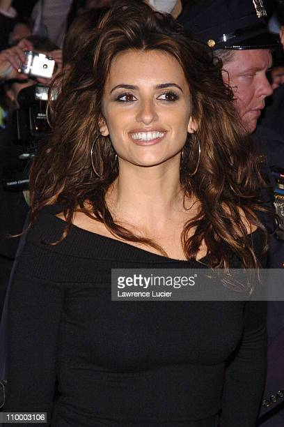 Penelope Cruz during Penelope Cruz Appears Outside The Late Show with David Letterman - March 30, 2005 at Ed Sullivan Theater in New York City, New...