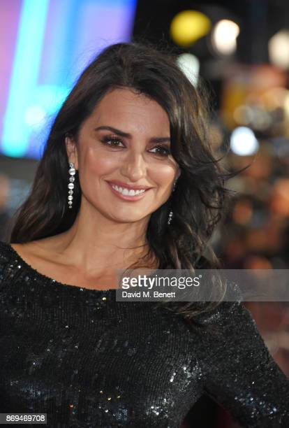 Penelope Cruz in Atelier Swarovski Fine Jewellery attends the World Premiere of 'Murder On The Orient Express' at The Royal Albert Hall on November 2...