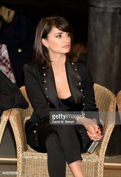 Penelope Cruz wearing Burberry attends the Burberry February 2017 Show during London Fashion Week February 2017 at Makers House on February 20 2017...