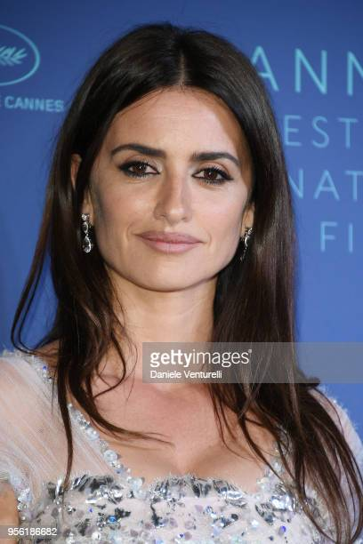 Penelope Cruz wearing jewels by Atelier Swarovski Fine Jewelry arrives at the Gala dinner during the 71st annual Cannes Film Festival at Palais des...