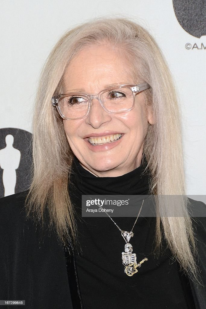 """Academy Of Motion Picture Arts And Sciences Hosts A """"Wayne's World"""" Reunion : News Photo"""