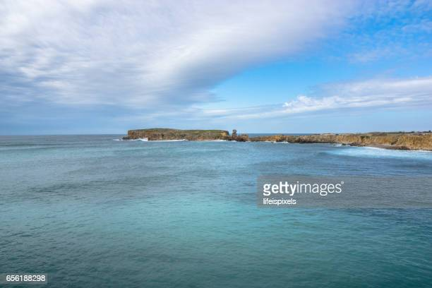 peniche coastline, portugal - lifeispixels stock pictures, royalty-free photos & images