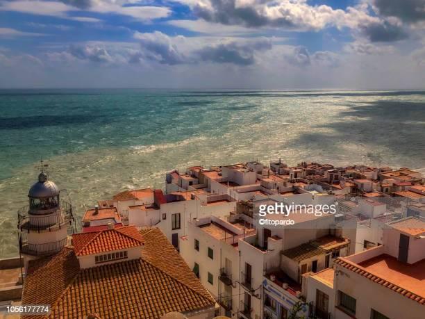 peniscola city and the mediterranean sea - peniscola photos et images de collection