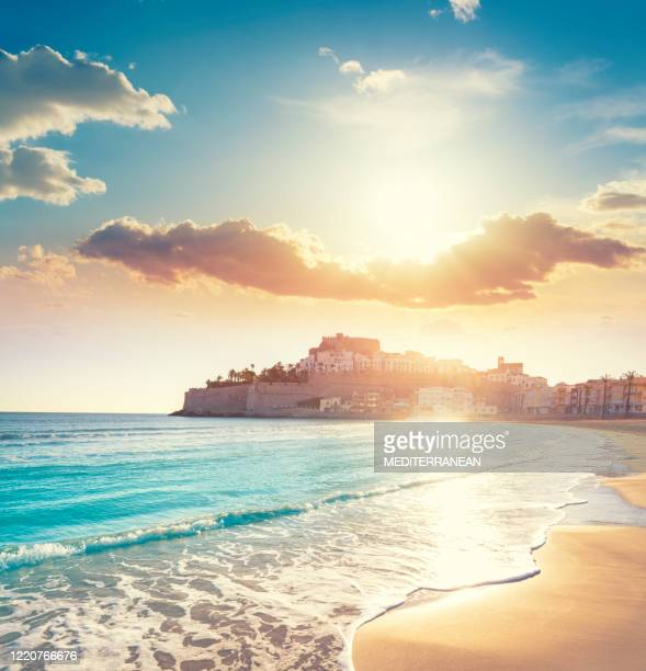 peniscola peñiscola sunrise with papa luna castle skyline in castellon spain - castellon province stock pictures, royalty-free photos & images
