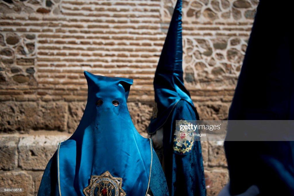 "Penitents of ""Santa María de la Alhambra"" brotherhood... : News Photo"