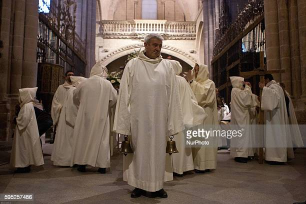 Penitents take part in the quotJesus de Luz y Vidaquot brotherhood procession in Zamora on March 19 2016 Christians around the world celebrate the...