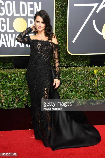 Penélope Cruz attends The 75th Annual Golden Globe Awards at The Beverly Hilton Hotel on January 7 2018 in Beverly Hills California