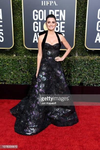 Penélope Cruz attends the 76th Annual Golden Globe Awards at The Beverly Hilton Hotel on January 6 2019 in Beverly Hills California