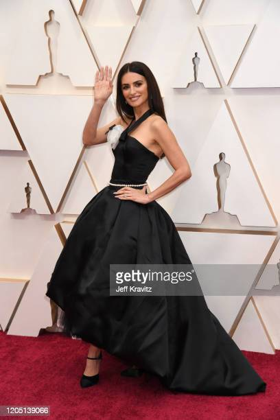 Penélope Cruz attends the 92nd Annual Academy Awards at Hollywood and Highland on February 09 2020 in Hollywood California