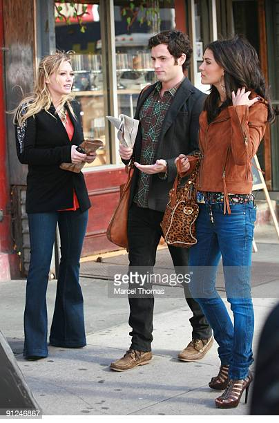 Penn Badgely Jessica Szhor and Hilary Duff are seen on the set of the TV show Gossip Girls on location on the Streets of Manhattan on September 29...