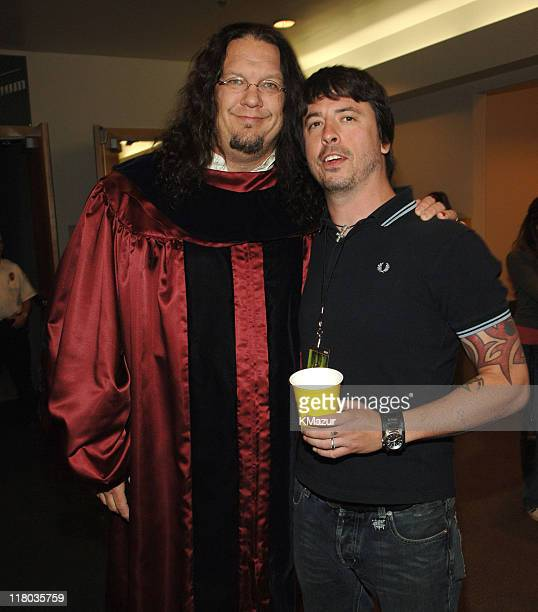Penn Jillette and Dave Grohl of the Foo Fighters during 2006 VH1 Rock Honors Backstage at Mandalay Bay Hotel and Casino in Las Vegas Nevada United...