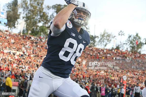 Penn State Nittany Lions TE/H Mike Gesicki celebrates after scoring an 11yard touchdown reception during the second quarter of the USC Trojans game...