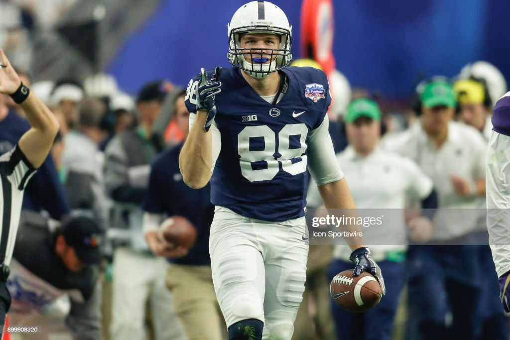 Penn State Nittany Lions tight end Mike Gesicki (88) signals first down after a catch during the Fiesta Bowl college football game between the Penn State Nittany Lions and the Washington Huskies on December 30, 2017 at University of Phoenix Stadium in Glendale, Arizona