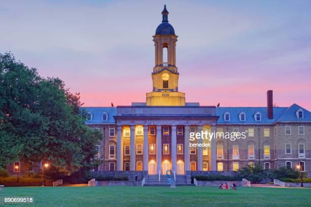 penn estado antigo edifício principal no colégio estadual de pensilvânia eua - pensilvânia - fotografias e filmes do acervo