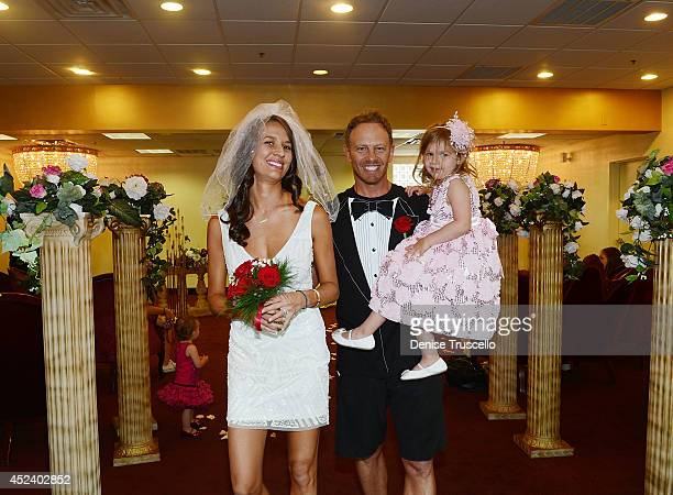 Penna Ziering Erin Ziering Ian Ziering and Mia Ziering during Ian and Erin Ziering's marriage vow renewal ceremony to sanctify Ian's new ring after...
