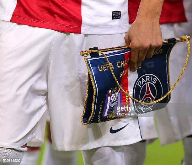 Pennant given to RSC Anderlecht by Paris St Germain