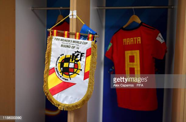 Pennant is displayed inside the Spain dressing room prior to the 2019 FIFA Women's World Cup France Round Of 16 match between Spain and USA at Stade...