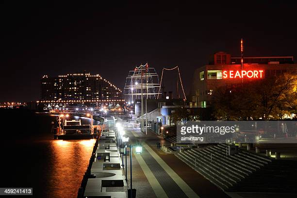 penn's landing in philadelphia - waterfront stock pictures, royalty-free photos & images