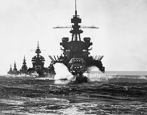Pennsylvania and battleship of Colorado class followed by three cruisers move into Lingayen Gulf preceding the landing on Luzon. Philippines, 1/45