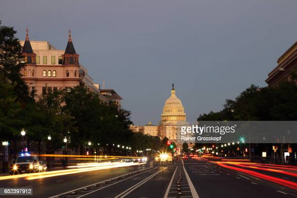 pennsylvania avenue and state capitol at dawn - rainer grosskopf stock pictures, royalty-free photos & images