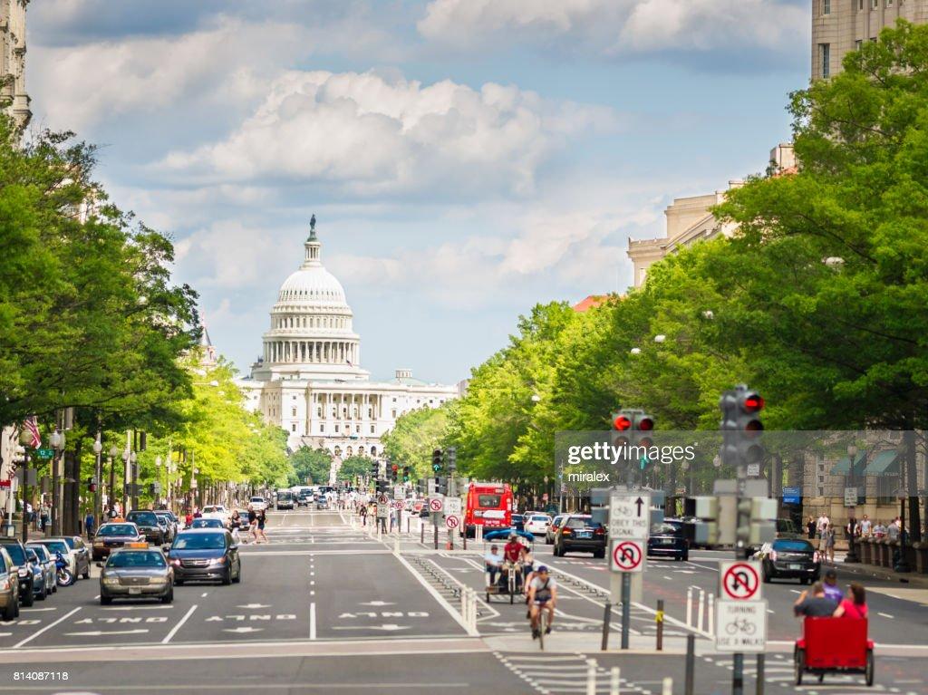 Pennsylvania Avenue と米国議会議事堂、ワシントン D .C .へ向かいます。 米国 : ストックフォト