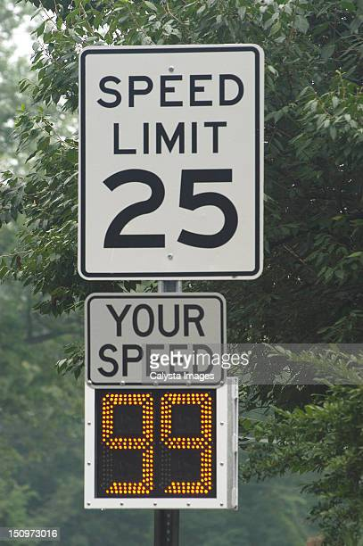usa, pennsylvania, speed limit of 25 miles per hour - speed limit sign stock photos and pictures