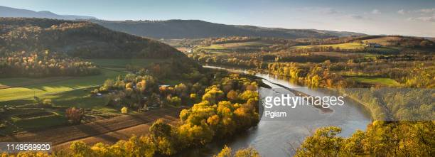 pennsylvania valley and river panoramic in autumn - pennsylvania stock pictures, royalty-free photos & images