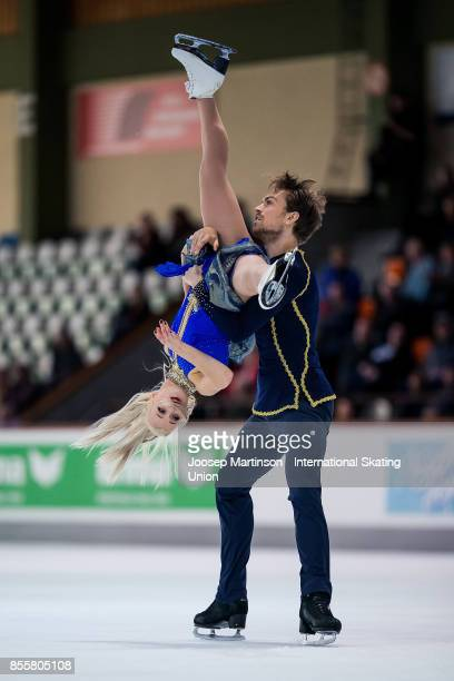 Penny Coomes and Nicholas Buckland of Great Britain compete in the Ice Dance Free Dance during the Nebelhorn Trophy 2017 at Eissportzentrum on...