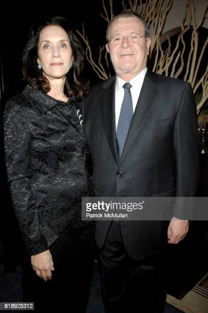 Penny Glazier and Peter Glazier attend THE AMERICAN HOSPITAL OF PARIS FOUNDATION Honors CHEF DANIEL BOULUD at Daniel on May 5 2010 in New York City