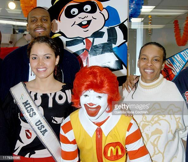 Penny Hardaway Miss Usa Susie Castillo Ronald McDonald and Teresa Weatherspoon
