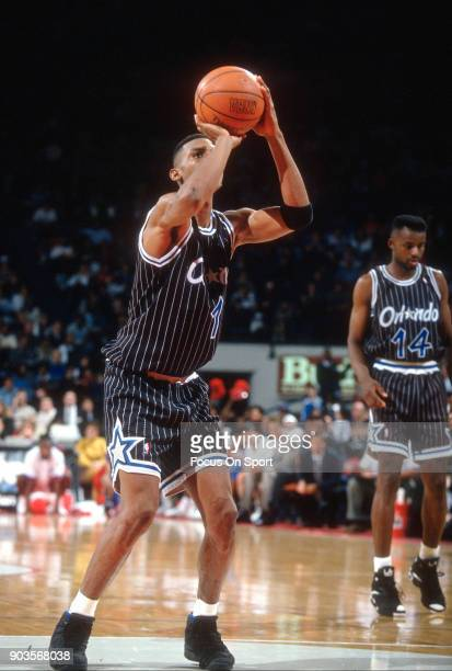 Penny Hardaway of the Orlando Magic shoots a free throw against the Washington Bullets during an NBA basketball game circa 1994 at the US Airways...