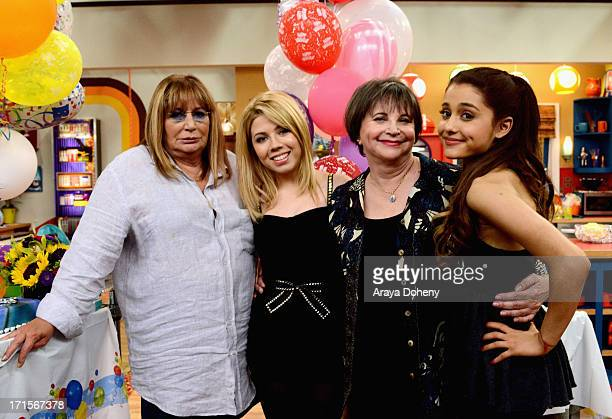 Penny Marshall and Cindy Williams make a guest appearance on Nickelodeon's Sam Cat starring Jennette McCurdy and Ariana Grande on June 26 2013 in Los...