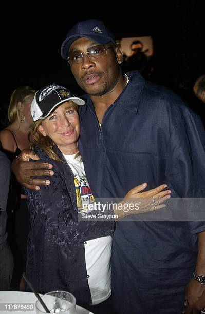 Penny Marshall Mitch Richmond pose for photographers at the Los Angeles Lakers victory celebration at Ian Schrager's Ultra Chic Mondrian Hotel