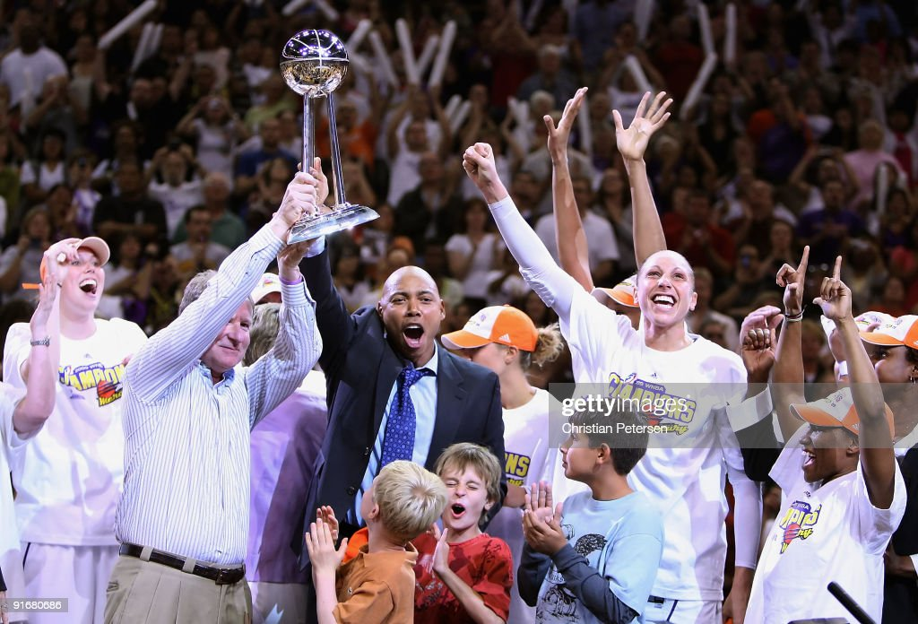 Penny Taylor, owner Robert Sarver, head coach Corey Gaines