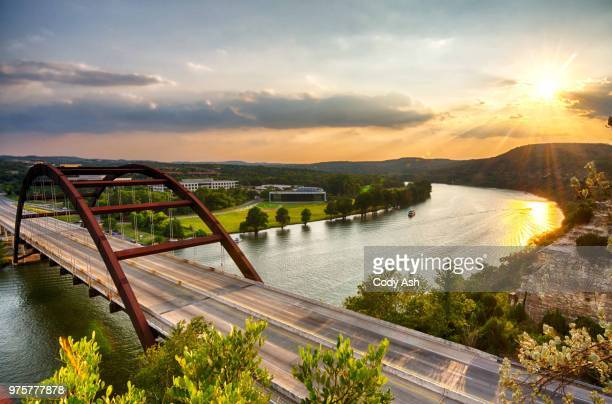 pennybacker bridge at sunset, austin, texas, usa - austin texas fotografías e imágenes de stock
