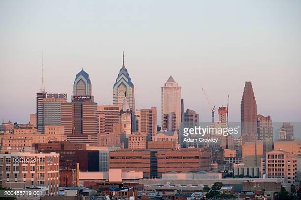 USA, Pennysylvania, Philadelphia skyline, dawn