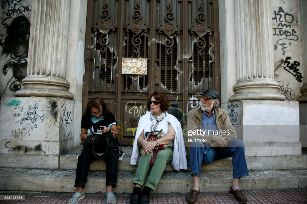 Pensioners take part to a rally against new pension cuts, in central Athes on October 6, 2017