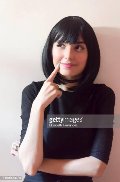 pensive beautiful woman - チョーカー ストックフォトと画像