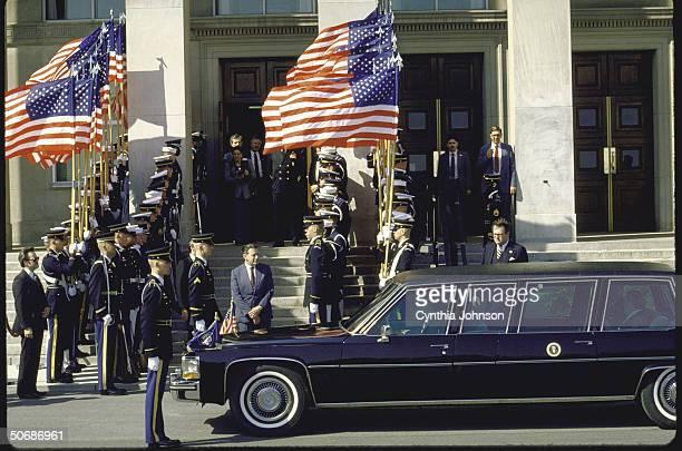 Pentagon ceremony during arrival/departure of Pres Ronald W Reagan Def Secy Caspar W Weinberger